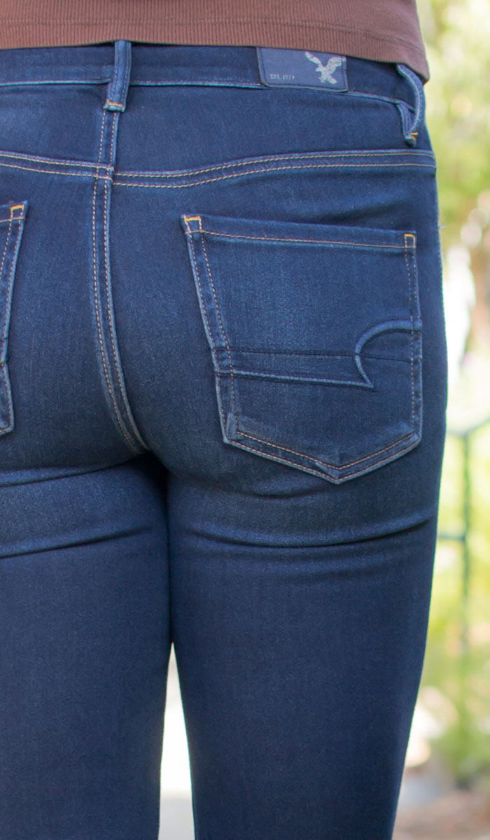 American Eagle Outfitters Denim X Sky High Jegging in Cold Blue Destroy Review on Denimology - Back Detail View