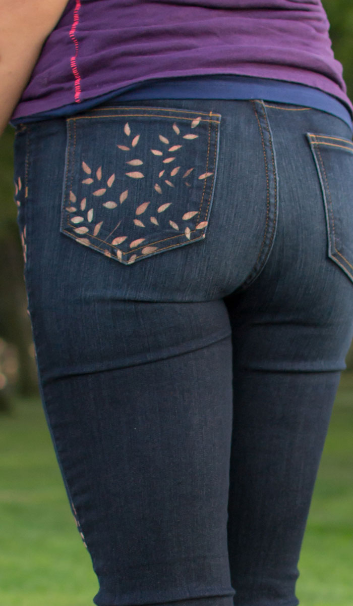 Dragonfly by J. Claire Custom Personal Pair Painted Jeans Review on Denimology - Back Detail View