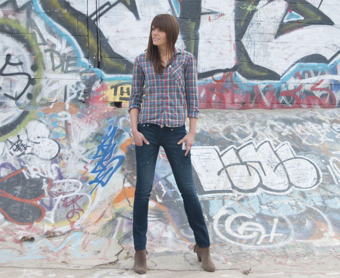 JLeer Challenges the Classic 5 Pocket Jean - Women's Image