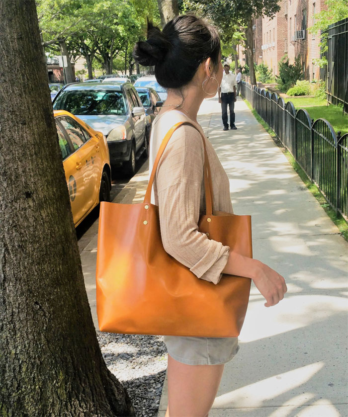 Natural Leather Tote Bags for Fall from Etsy - OriKelly
