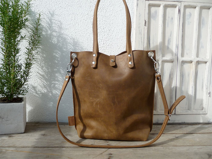 Natural Leather Tote Bags for Fall from Etsy - Sanumi Leather Goods