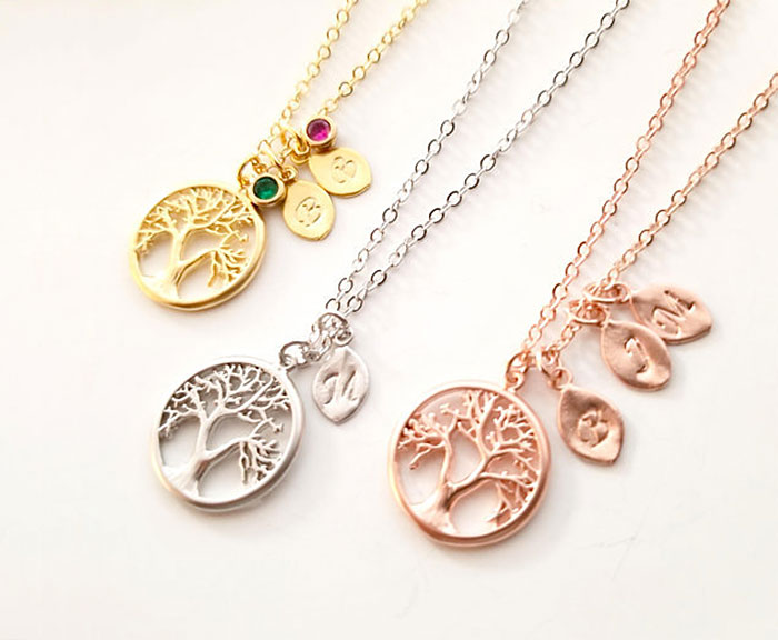 20 Unique Last Minute Mother's Day Gifts - Tree Necklaces