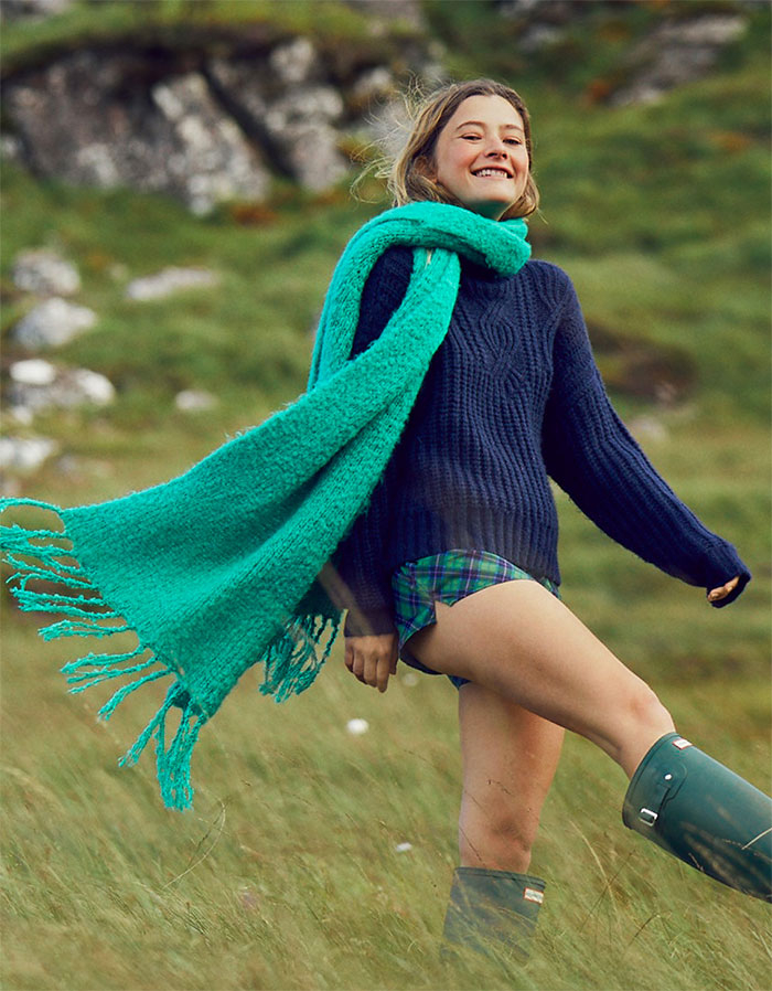 Buy a Winter Accessory and Give Back at American Eagle and Aerie - Blanket Scarf in Emerald Isle