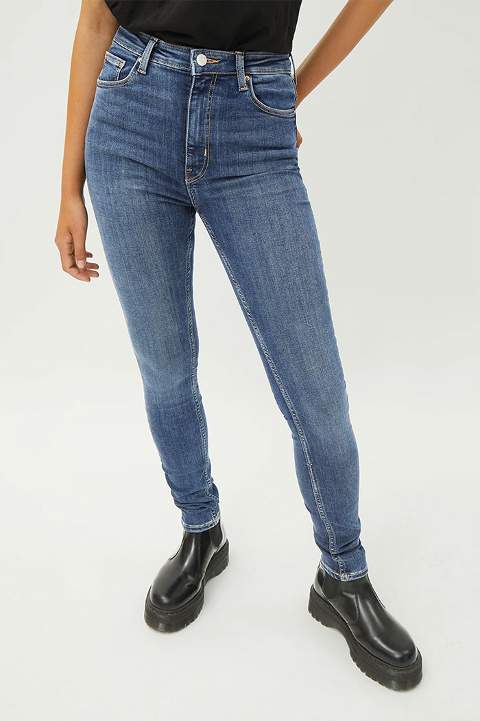Weekday Organic Cotton Denim - Body Extra High in Mid Blue