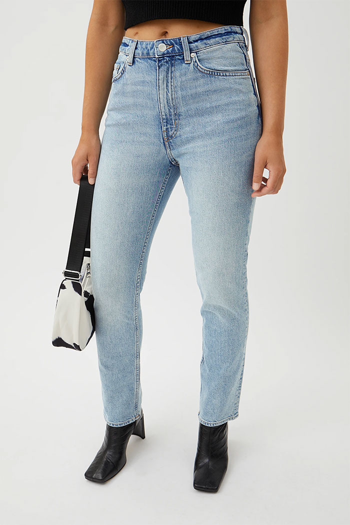 Organic Cotton and Biodegradable Jeans from Weekday - Case High Straight Jean in Peppy Blue