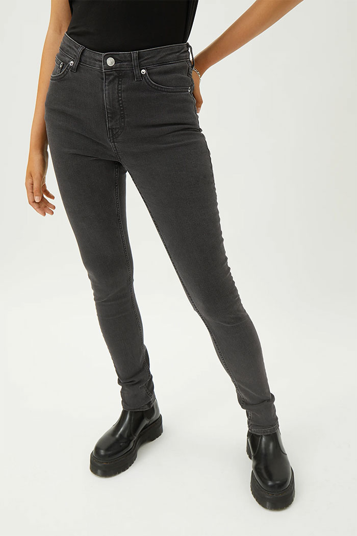 Organic Cotton and Biodegradable Jeans from Weekday - Thursday High Skinny in Tuned Black
