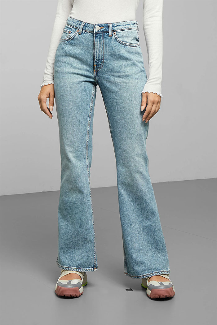 Weekday Jeans Wave High Flare Slim in Air Blue