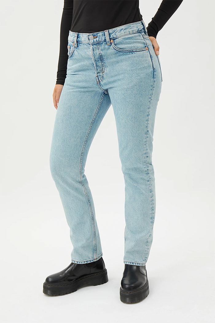 Organic Cotton and Biodegradable Jeans from Weekday - Wire High Straight in Summer Blue